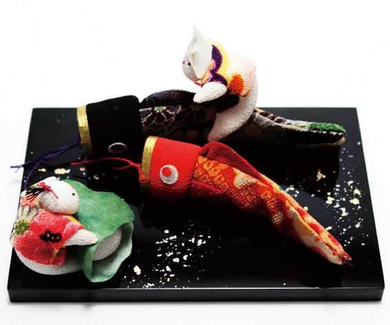 わらべと鯉のぼり