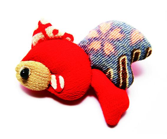 金魚<br>ブローチ/根付